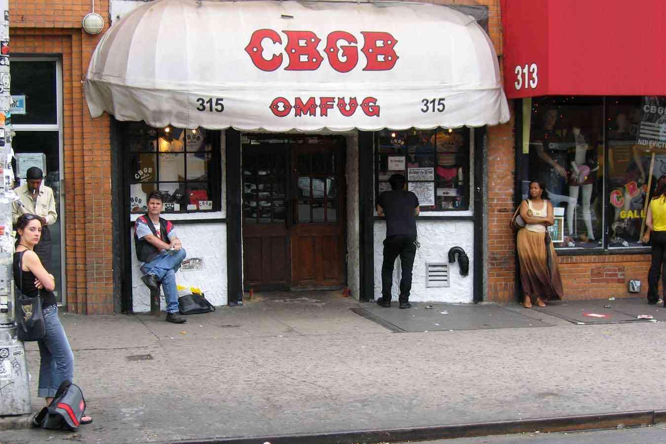 La leggenda del CBGB, il storico locale newyorkese che apriva bottega 47 anni fa