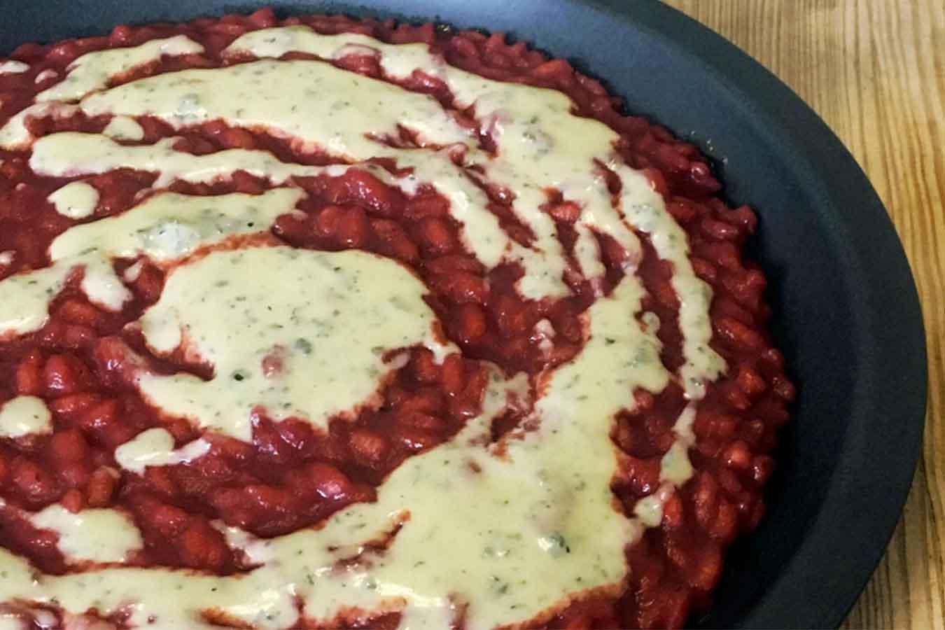 Risotto alla rapa rossa e fonduta di blue cheese