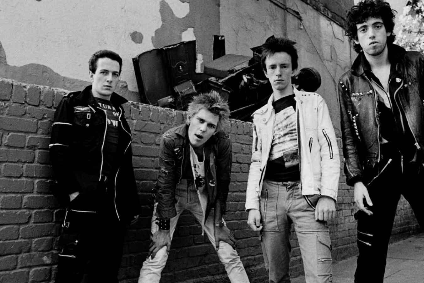 8 aprile nel rock: The Clash, Steve Howe, Izzy Stradlin, Ezra Koenig, Guns N' Roses, The Rolling Stones
